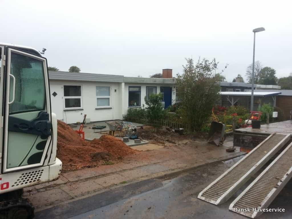 Anlægsgartner i Kolding - Nyanlægning af rækkehus have med fin anlægsteknik Anlaegsgartner-Haveentreprenoer-Forhave-Kolding-Efteraer-2014-001