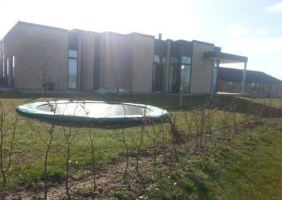 trampolin-nedgravning-villahave-uhre-vejle-foraar-2015