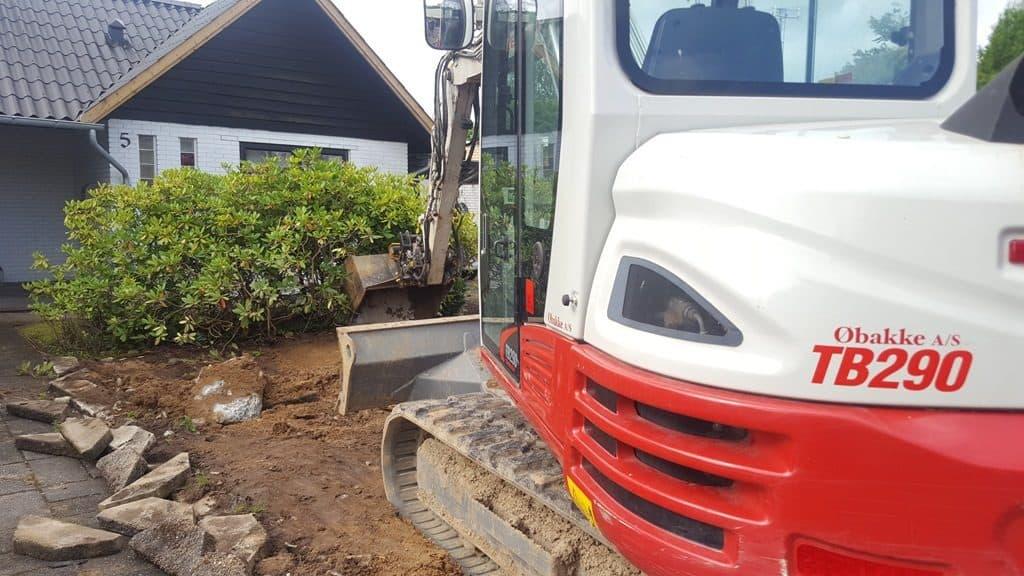 Anlægsgartner-nyanlaegning-graesplaene-solbakken-uhrhoej-vejle-20160808_094811