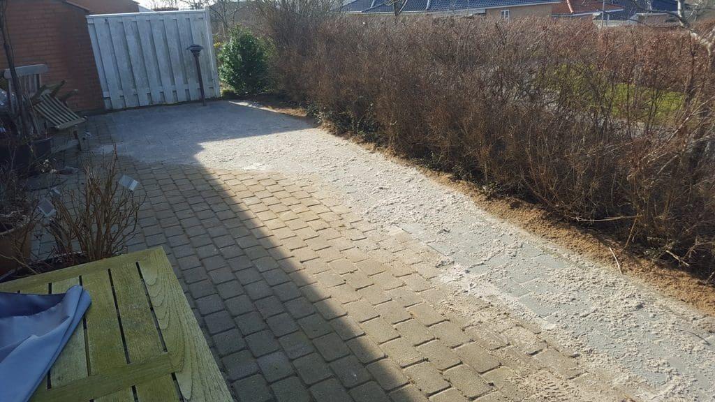 Omlægning fra bed til havefliser på Kamillevej i Kolding