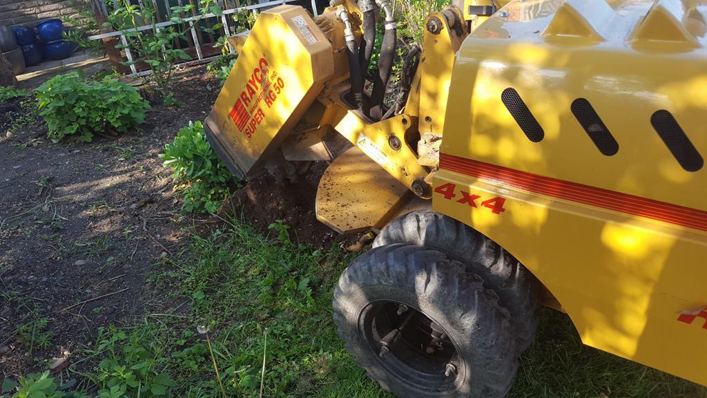 Rodfræsning, stubfræsning tlf. 8181 1414 – og græsplæne på Horsvangen i Bredballe i Vejle