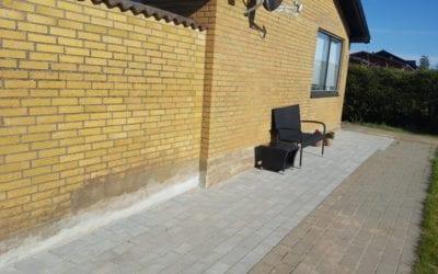 Udvidelse af havefliser på Violvej i Pedersholm i Vejle