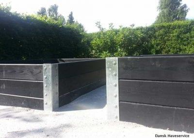 Haveservice-Belaegning-Havefliser-Urtebed-hoejbed-plantekasser-Vejle-Vinding-Sommer-2014-001