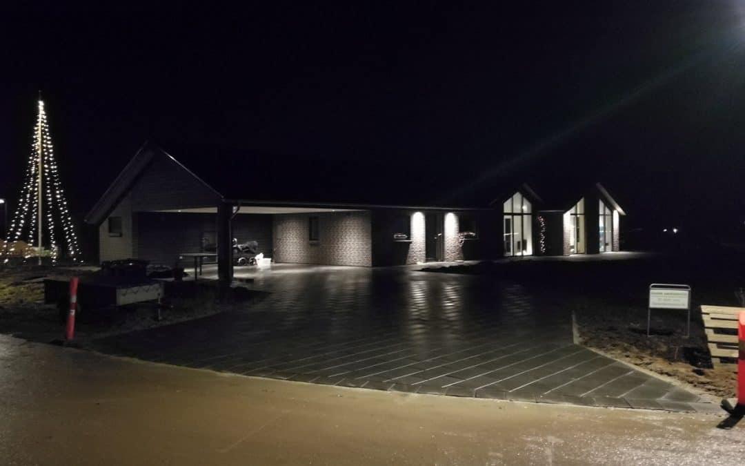 Belægning i Horsens – Indkørsel og Have Fliser til villa i Horsens