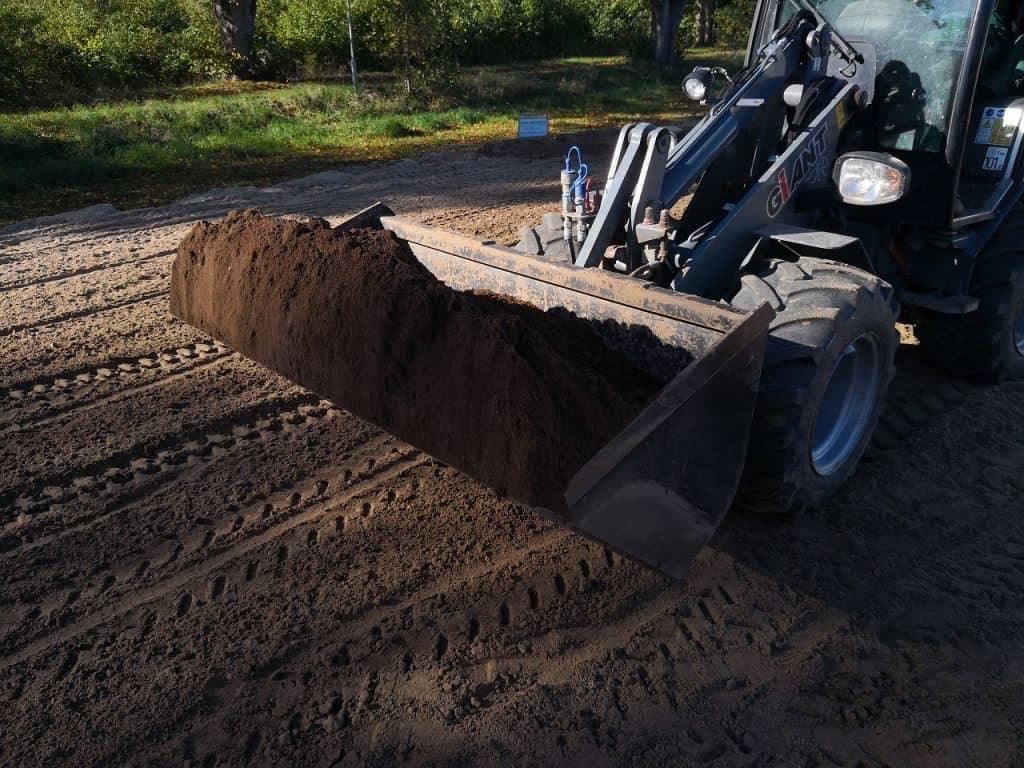 anlaeggelse-af-graesplaene-kolding-noerre-bjert-terraenregulering-jordarbejde-